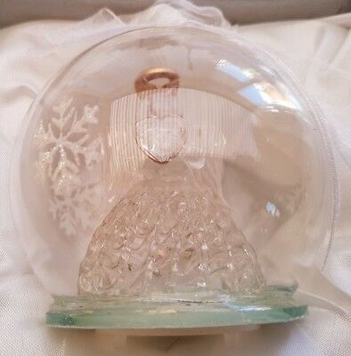 Light Up Angel Holding A Heart Globe Glass Decoration in Gift Presentation Box