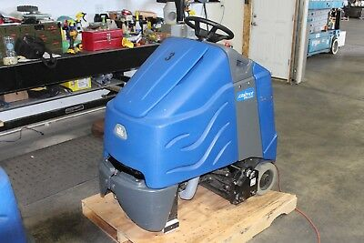 """Windsor Chariot 28"""" Stand On Commercial Vacuum Cleaner Deluxe WORKING"""