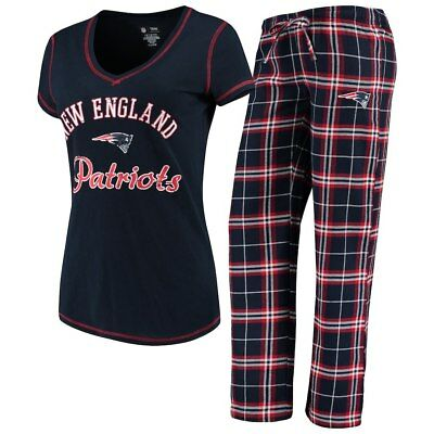 36641c7fa4e NEW ENGLAND PATRIOTS Ladies Duo T-Shirt and Flannel Pants Sleep Set ...