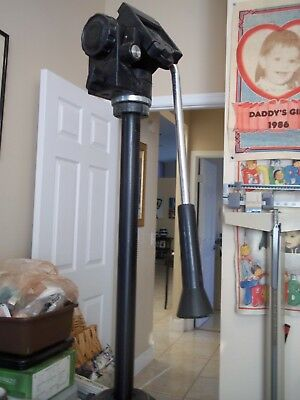 """5' Tall Portable Camera Tripod Lots Of Adjustable Partsfolds Up To 24"""""""