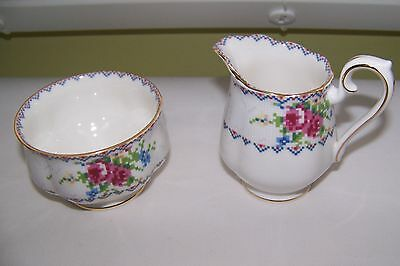 Royal Albert PETIT POINT Bone China Creamer Sugar Bowl & Tray Plate England VGC