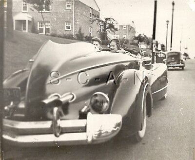 Org Vintage 1940s-50s Large (9.75 x 8.0) Photo- 2 Women- Sports Car- Convertible
