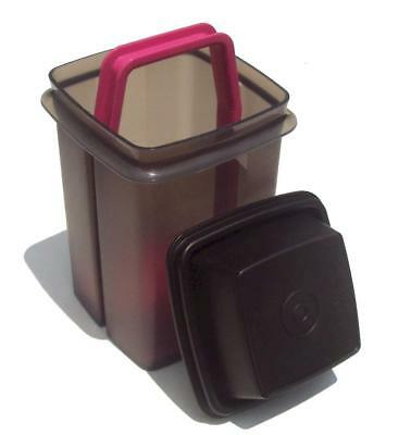 Tupperware New 5 Cup Pick A Deli Pickle Keeper Container in Black & Pink