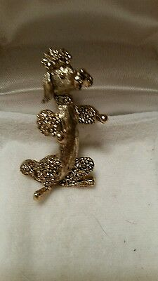 adorable POODLE DOG PIN . Signed GERRYS  . vintage Estate Jewelry Collectibles