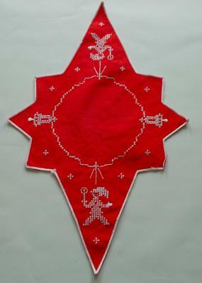Swedish Xmas: Cross-stitched starshaped doily with long arms, santas and bells