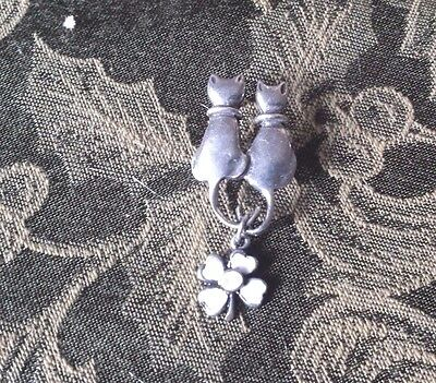 1 CAT PIN with FOUR LEAF CLOVER for LUNG CANCER AWARENESS PEWTER PIN All New.