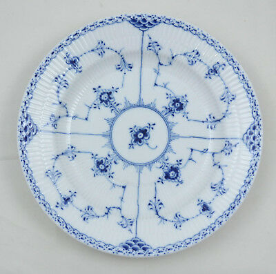 Royal Copenhagen Halbspitze Blue fluted half lace - Speiseteller 25,5cm