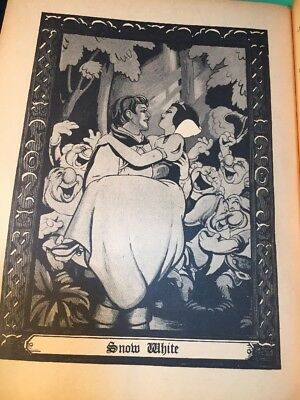 VINTAGE 1937 WALT DISNEY SNOW WHITE Souvenir Album, 14 Framable Pictures