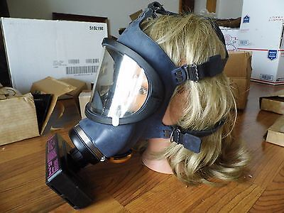 Msa Gas Mask #96680 7 203-1  With Ultra Filter Cartridge