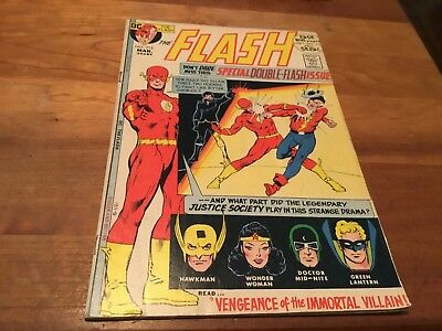 FLASH # 213, Vintage Comic from 1972,  DC ORIGINAL VF+ 8.5