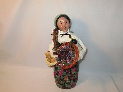 Byers Choice Retired  Exclusive 2009 Wooden Duck Woman with Grapes and Wine