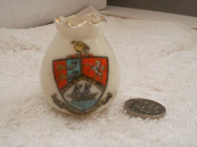 Vintage Model Of A Very Small Vase   Crested Broadstairs By Grafton China