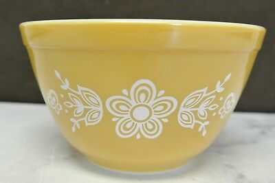 Vintage Pyrex USA 401 Gold Butterfly Mixing Serving Bowl 1 1/2 Quart