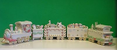 LENOX HOLIDAY TRADITIONS SANTA TRAIN 5 piece set NEW in BOX Christmas Toys Gifts