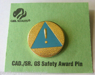 Rare Retired Girl Scout CADETTE SENIOR SAFETY AWARD PIN Earned NEW Blue Triangle