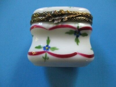 Limoges Trinket/Pill box, unusual shape, signed PM n 6
