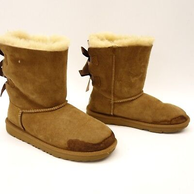 045c3bdd8ba NEW NWOB KIDS Girls Size 13 Gold Ugg Bailey Bow Ii Shimmer Suede ...