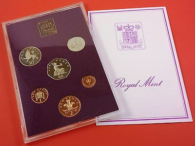 1980 Great Britain Proof 6 Coin Set With Medal ( Cracks In Case & Small Tear )