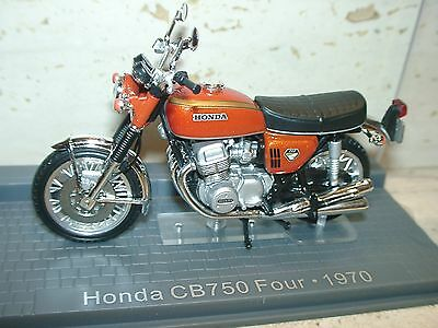 dcux) HONDA CB 750 FOUR 1970 -1:24 SCALE MODEL, Altaya series made by IXO