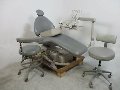 Adec 1040 Dental Patient Exam Chair w/ Delivery System & 2 Stools