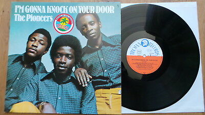 THE PIONEERS - I'm Gonna Knock On Your Door (rare D 1974 Trojan) REGGAE