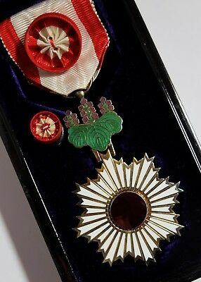 Very nice! ORDER of RISING SUN 4th CLASS BADGE JAPAN MEDAL JAPANESE SILVER CASED