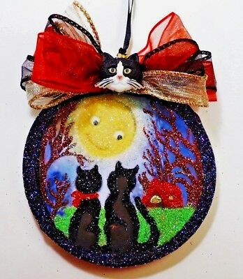 Hand Made ~ Blk Cats w/ Smiling Moon ~ glittered wood slice Halloween Ornament