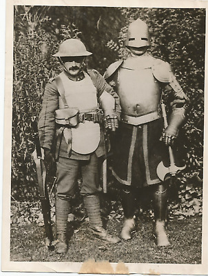Ww1 Press Photo- Latest Fashion Note From The Trenches- Body Armor