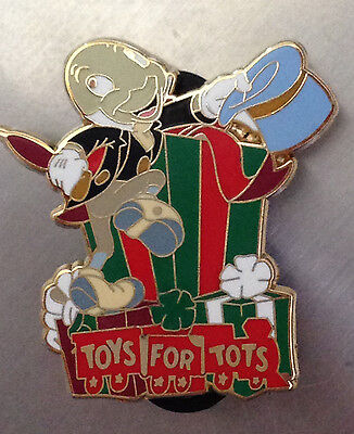 Disney DSF - Pinocchio Jiminy Cricket - Toys for Tots -2009 Pin