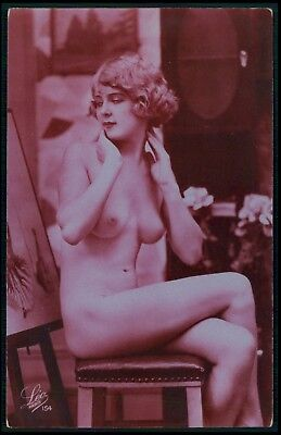 French nude woman admire painting original 1920s Art Deco tinted photo postcard