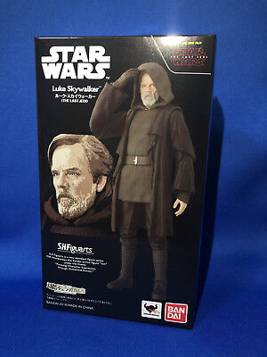 S.H. Figuarts Star Wars Luke Skywalker The Last Jedi figure Bandai Tamashii