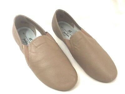 Leather Slip On Size 8 Tan Split Sole Jazz Shoes