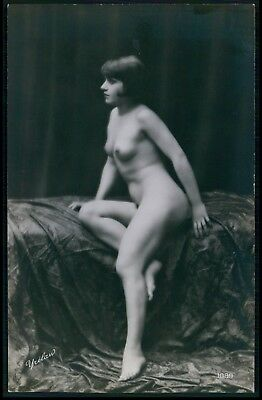 Walery Yrelaw French nude flapper woman original old 1920s photo postcard