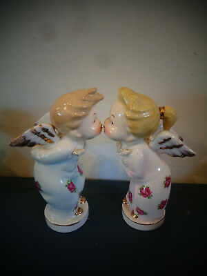 Napco ? Ceramic Porcelain Boy & Girl Kissing Angels Figurines Spaghetti Trim