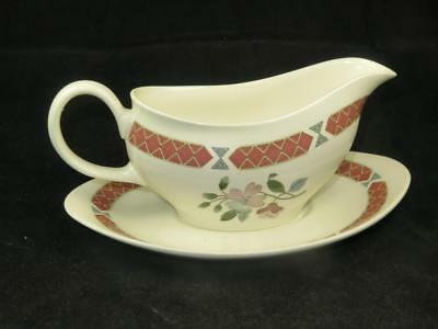"""REPLACEMENT VINTAGE CHINA Wedgwood Gravy Boat & Stand """"ALBANY"""" UNUSED 1960s"""