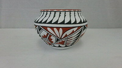 Authentic Signed Jemez Native American Pottery Bowl, WaQuiu jemez