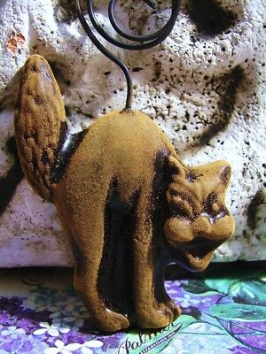 Primitive Blackened Beeswax HALLOWEEN HISSING CAT Ornament Beeswax Folk ArT