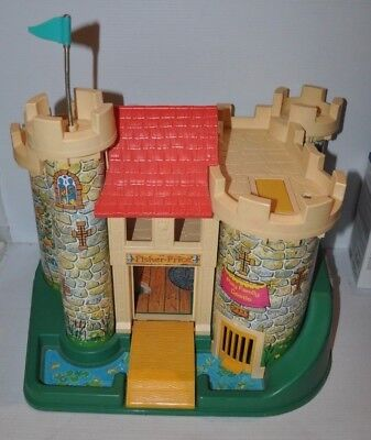 FISHER PRICE CASTLE #993 Little People FPLP 1974