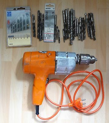 Black & Decker perçeuse à percussion + lot de têtes