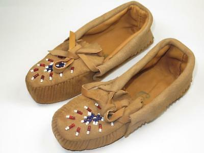 VINTAGE NATIVE AMERICAN INDIAN Pair of Child's Moccasins Beaded 1930s