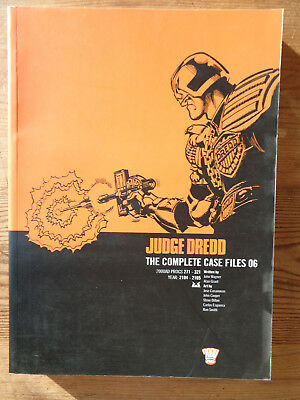 2000AD ft JUDGE DREDD: THE COMPLETE CASE FILES 06 - GRAPHIC NOVEL - EXCELLENT