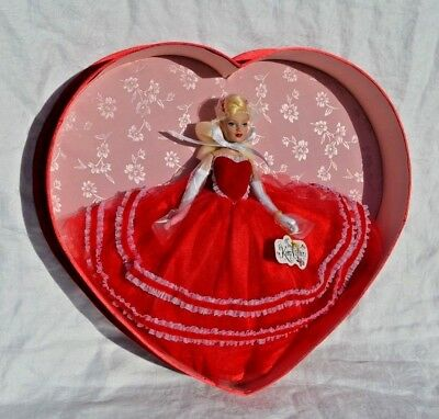 Valentine Heart Tiny Kitty Collier gift set Tonner doll KT6404 2005 New in Box