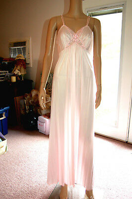 Vintage JC Penney Nylon Night Gown W/ Matching Robe Sz Small