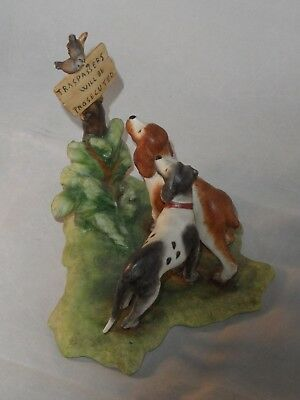 CAPODIMONTE ITALY DOG'S &  BIRDS ON SIGN FIGURINE SIGNED BY REDAELLI 16cms LONG