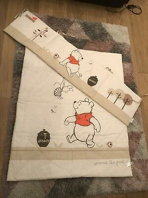 Disney Baby - 2 Piece Bedding Set - Cot Bed Bumper and Quilt - Winnie the Pooh