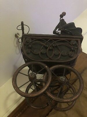 Vintage Wicker Mini Baby Doll Buggy