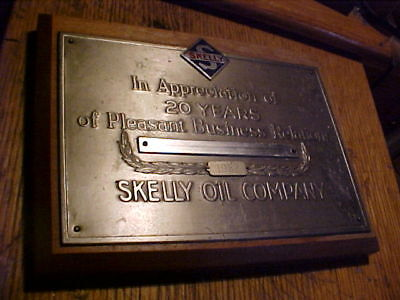 Skelly oil company service station award 20 years plaque sign WOOD/METAL  1962