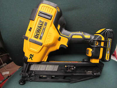 Dewalt Dcn660 Cordless Angled 16 Gauge Finish Nailer Nail Gun 20V Max Lithiumion