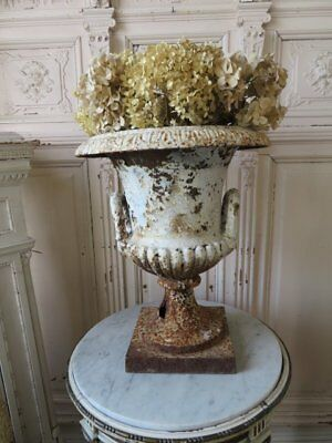 OMG Old Cast Iron METAL Garden URN PLANTER Handles Shapely Chippy WHITE Rusty