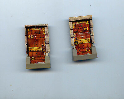 TABLETOP Scenery Mobiliar > 2 Dungeon Türen Doors < HEROQUEST